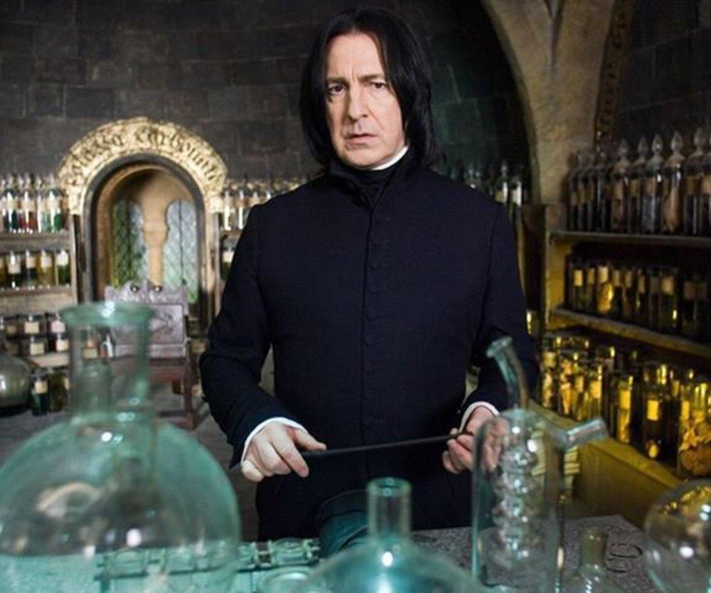 Harry Potter: Ist Professor Snape ein Vampir?
