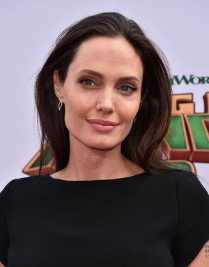 Selbst Schönheiten wie Angelina Jolie haben Tränensäcke.