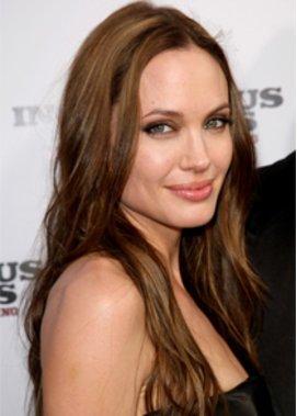 Angelina Jolie: Facelift?