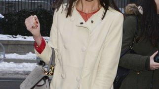 Katie Holmes setzt sich für den Kampf gegen Brustkrebs ein