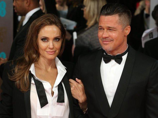 Angelina Jolie mit ihrem Verlobten Brad Pitt