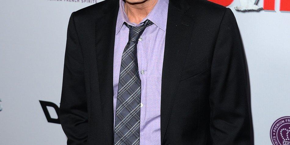 Charlie Sheen ist wieder Single