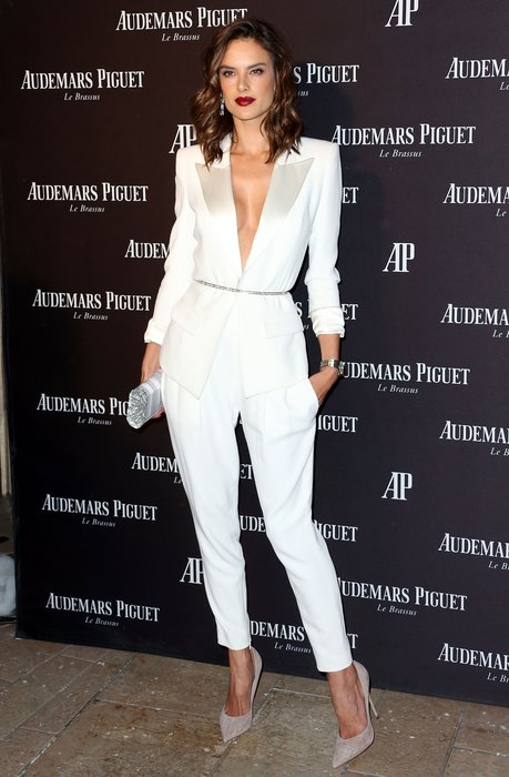 BEVERLY HILLS, CA - DECEMBER 09: Model Alessandra Ambrosio attends Audemars Piquet Celebrates Grand Opening of Rodeo Drive Boutique on December 9, 2015 in Beverly Hills, California. (Photo by Frederick M. Brown/Getty Images)