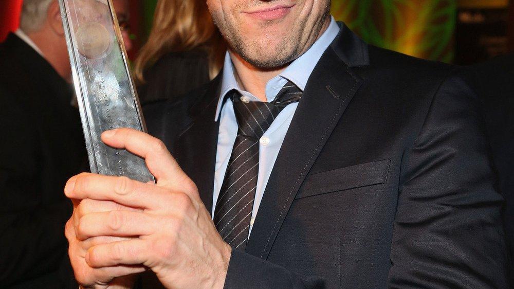Wotan Wilke Möhring räumt Deutschen Fernsehpreis ab