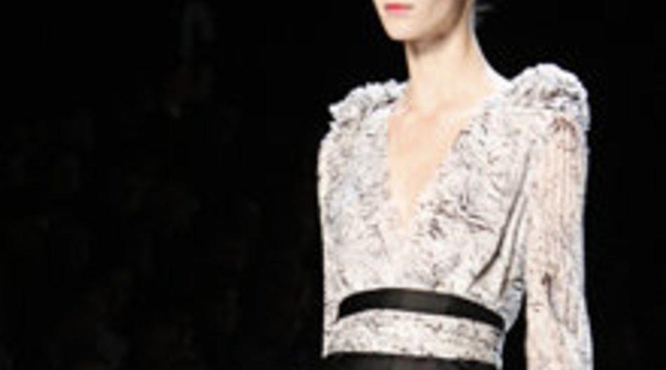 Rena Lange mit puristisch-femininen Designs