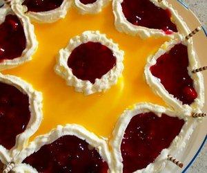 Eierlkör-Rote Grütze-Torte