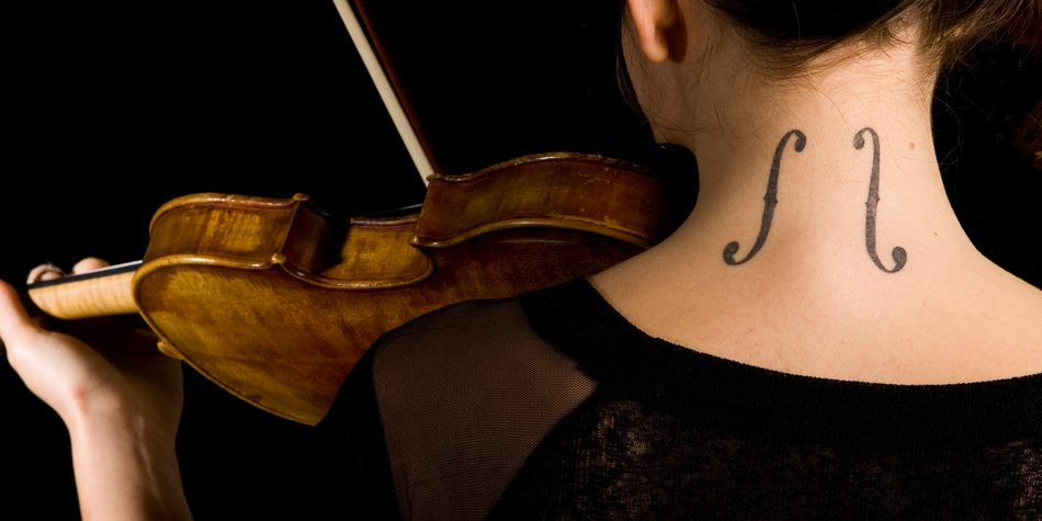 Tattoo im Nacken