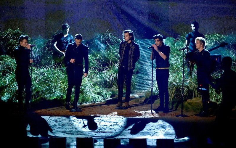 One Direction performen in Los Angeles