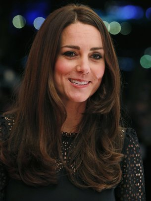 Kate Middleton strahlt in die Kamera