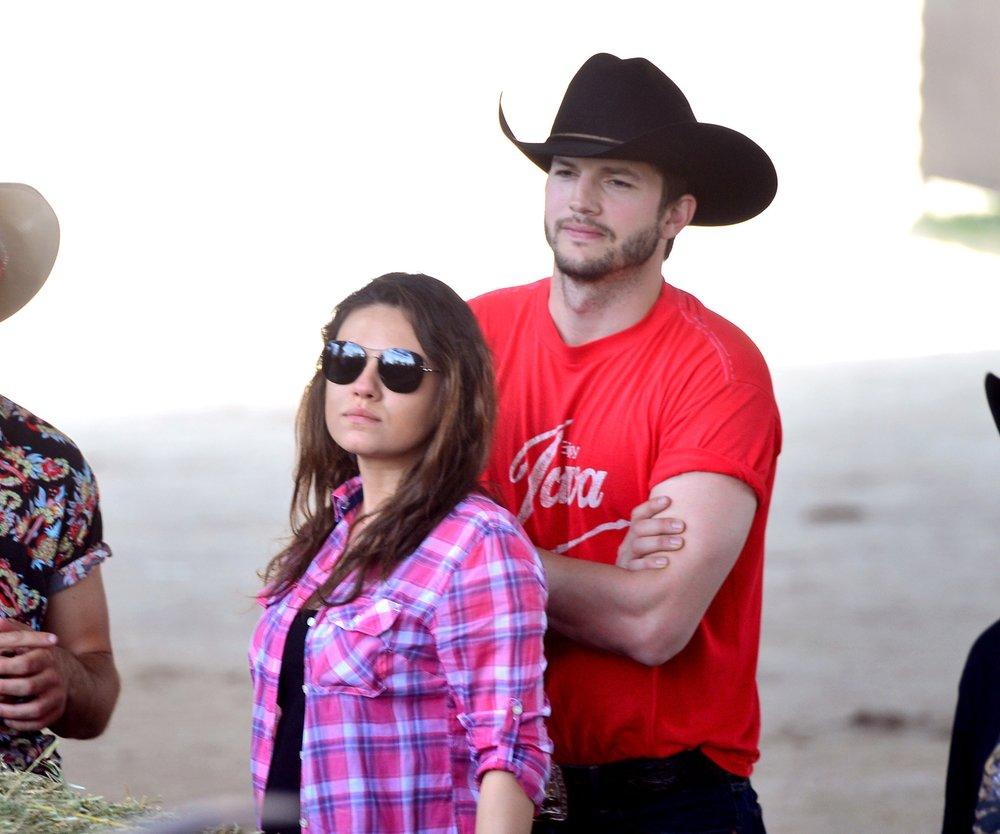 Ashton Kutcher und Mila Kunis: Familienausflug statt Golden Globes
