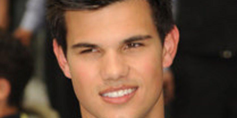 Taylor Lautner: Überraschung auf dem Dixie-Klo