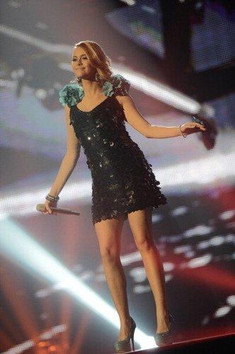 Fabienne Rothe auf der Bühne bei der fünften Mottoshow
