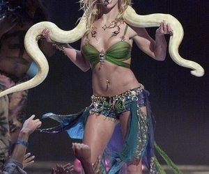 Britney Spears auf der Suche nach Schlange