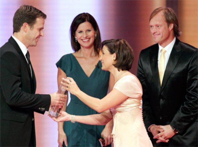Oliver Bierhoff bekomt Deutschen Fernsehpreis
