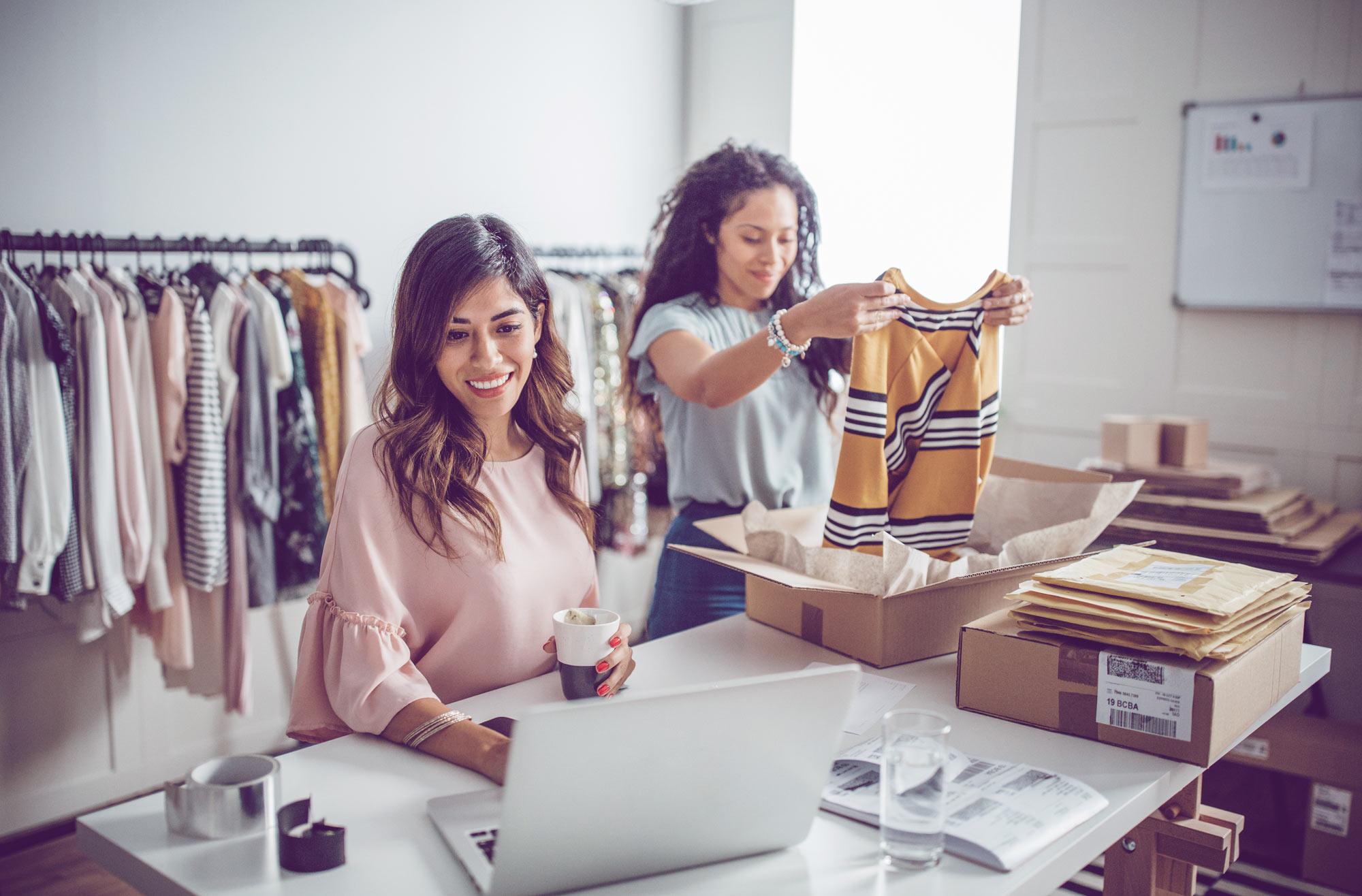 Kleidung leihen wird Trend: Wir haben 4 Online-Anbieter getestet | desired.de
