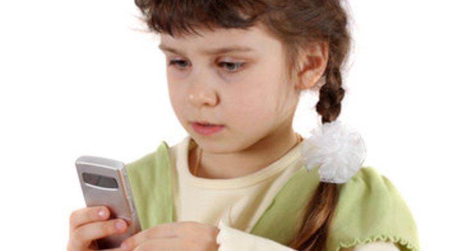 Notruf früh mit Kindern üben