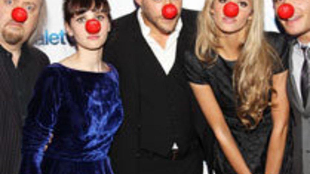 """Ed Westwick: Rote Nasen bei der """"Chalet Girl""""-Premiere"""