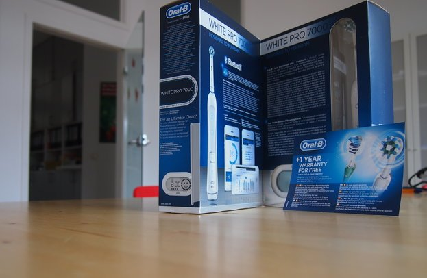 Die Oral-B Professional Care White Pro 7000