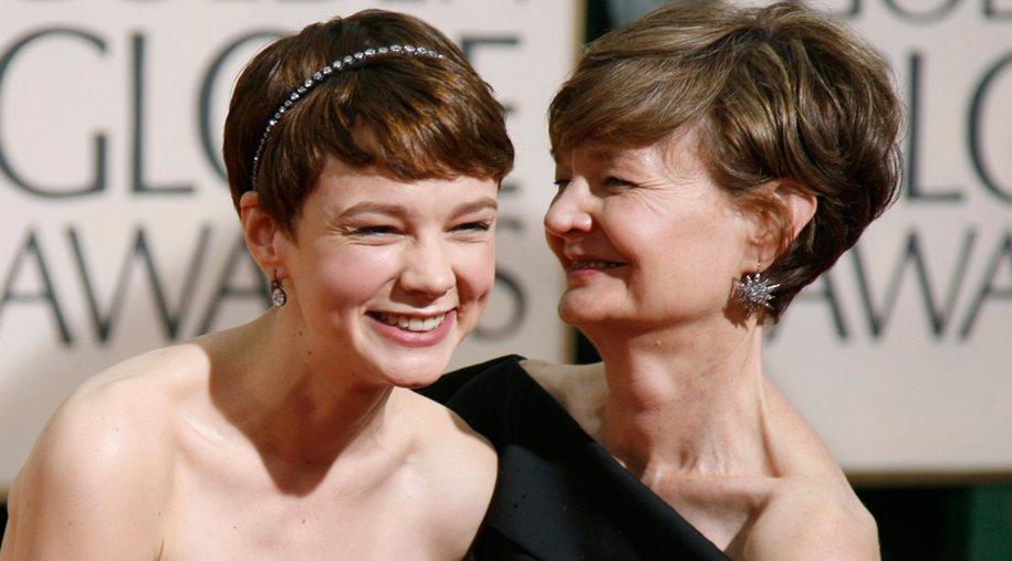 Carey Mulligan mit ihrer Mutter Nano bei den 67. Golden Globes am 17. Januar 2010