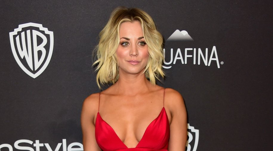 BEVERLY HILLS, CA - JANUARY 10: Actress Kaley Cuoco attends InStyle and Warner Bros. 73rd Annual Golden Globe Awards Post-Party at The Beverly Hilton Hotel on January 10, 2016 in Beverly Hills, California. (Photo by Frazer Harrison/Getty Images)
