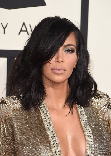 Kim Kardashian: Clavi Cut mit Pony