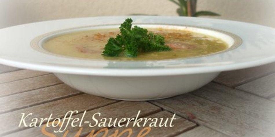 Kartoffel-Sauerkraut-Suppe