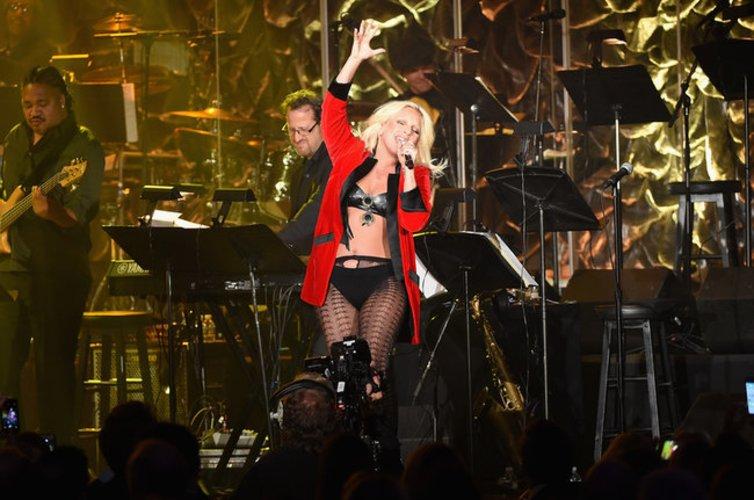 Lady Gaga gibt Gas auf der Bühne