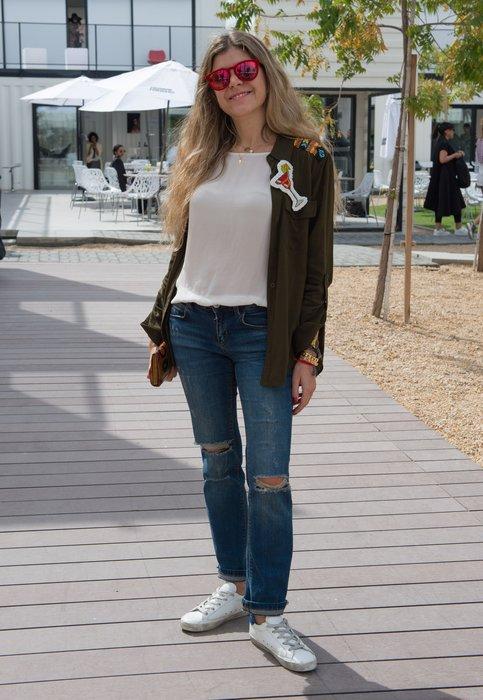 DUBAI, UNITED ARAB EMIRATES - APRIL 02: A guest attends Fashion Forward Fall/Winter 2016 held at the Dubai Design District on April 2, 2016 in Dubai, United Arab Emirates. (Photo by Cedric Ribeiro/Getty Images)