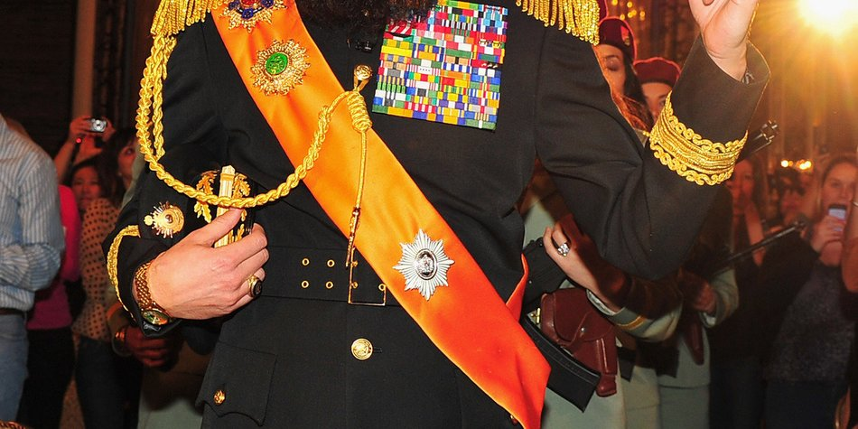 Sacha Baron Cohen provoziert als Diktator