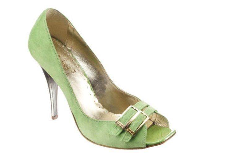 grüner Peep Toe von Alisha mit silbernem Pinabsatz.