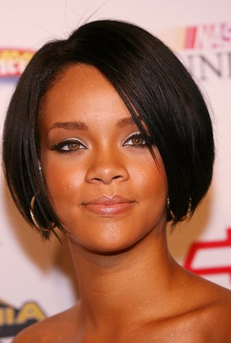 Rihanna: Kurzer schwarzer Bob