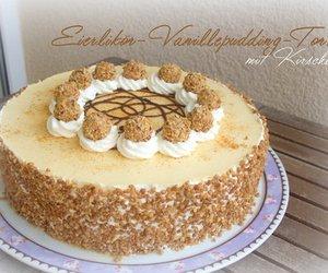 Eierlikör-Vanillepudding-Torte mit Kirschen