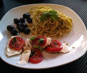 Spaghetti mit Basilikum-Pesto