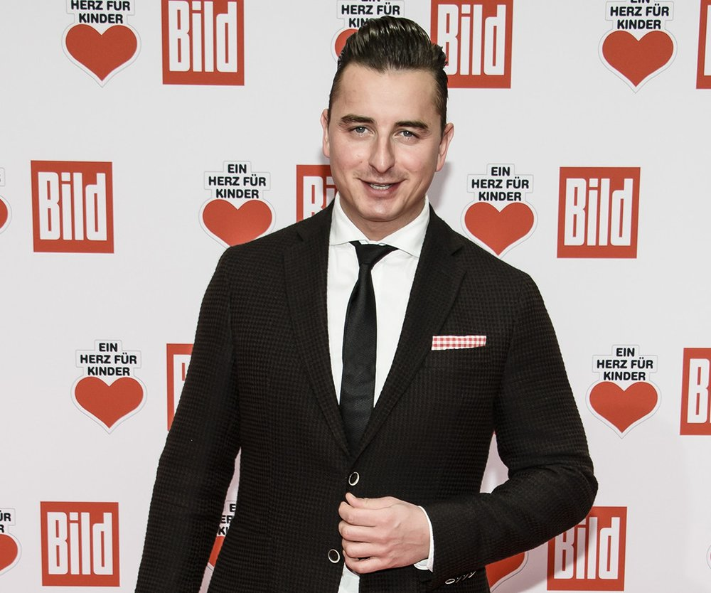 BERLIN, GERMANY - DECEMBER 03: Andreas Gabalier attends the Ein Herz Fuer Kinder Gala 2016 on December 3, 2016 in Berlin, Germany. (Photo by Clemens Bilan/Getty Images)