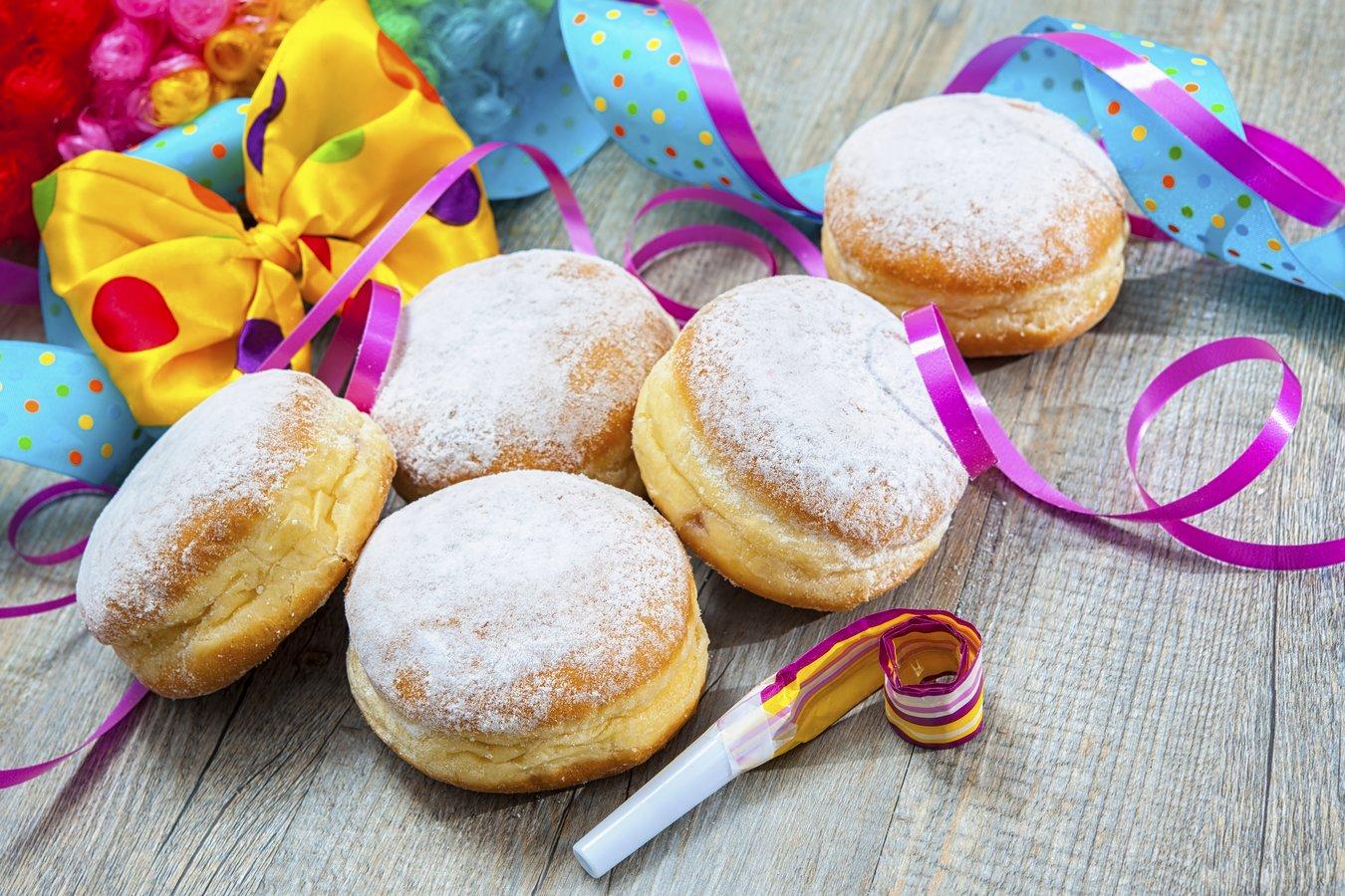 Berliner, Krapfen, Kreppel oder Pfannkuchen schmecken nicht nur zur Faschingszeit.