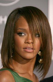 Rihanna: Brauner Bob