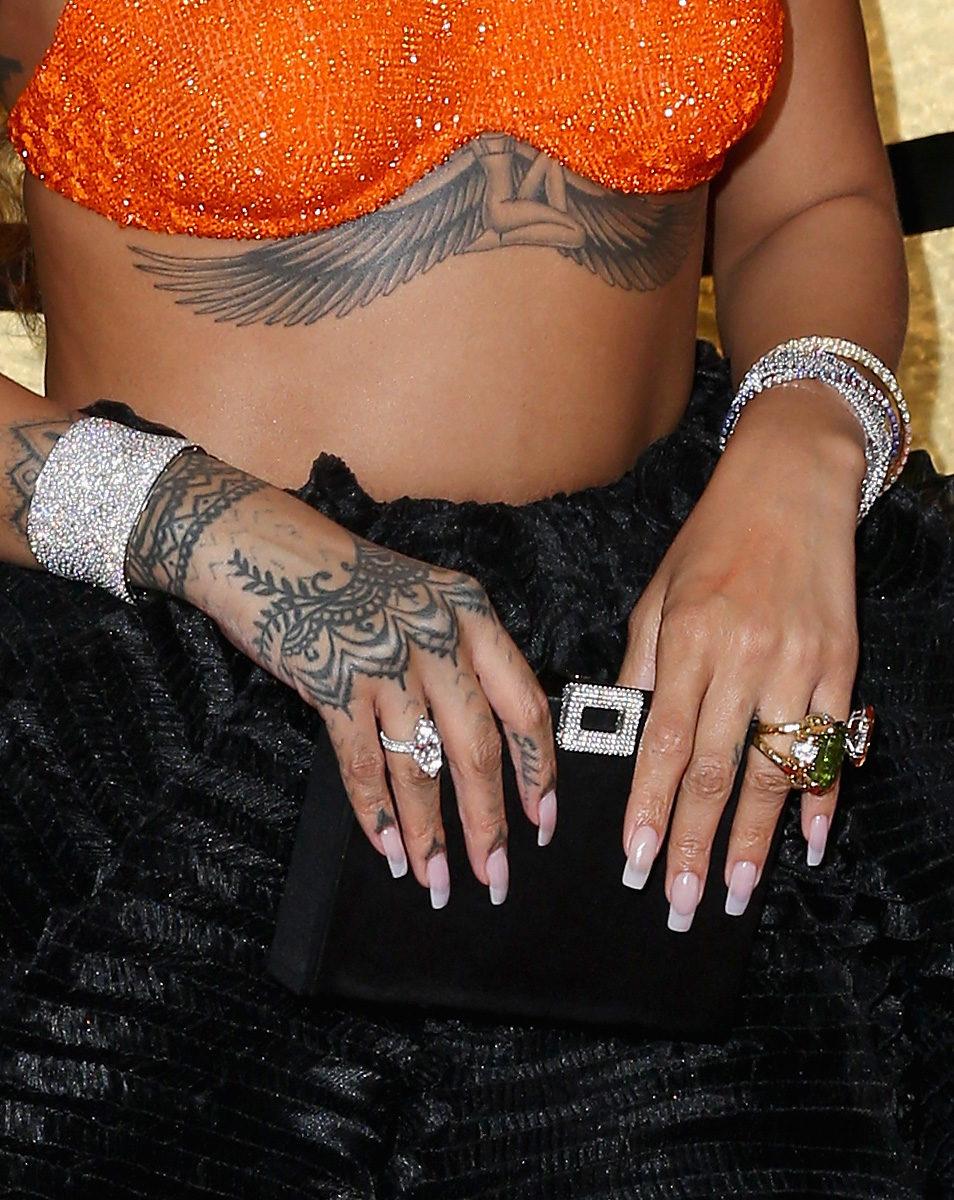 ägyptische Tattoos 12 Motive Und Ihre Bedeutung Desired De