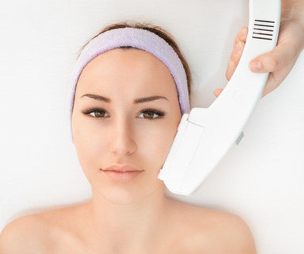 Dauerhafte Haarentfernung: Was wirklich gegen lästige Haare hilft