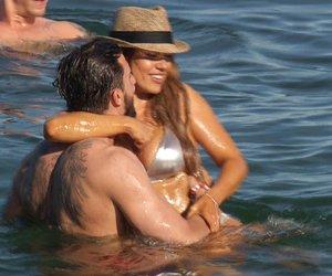 """Jessica und Sebastian gehen im Meer auf Tuchfühlung.   Verwendung der Bilder für Online-Medien ausschließlich mit folgender Verlinkung:""""Alle Infos zu """"Die Bachelorette"""" im Special bei RTL.de: http://www.rtl.de/cms/sendungen/show/die-bachelorette.html"""