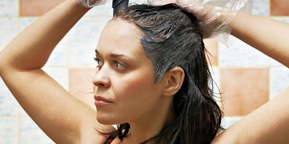 Haarfarbe von Haut entfernen