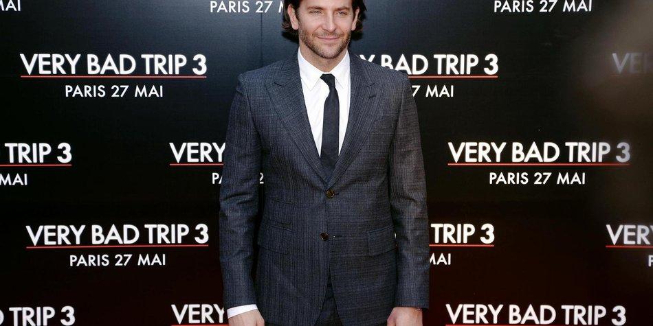 Bradley Cooper: Thanksgiving mit Mama und Freundin?