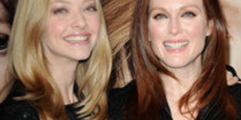 Amanda Seyfried und Julianne Moore nackt