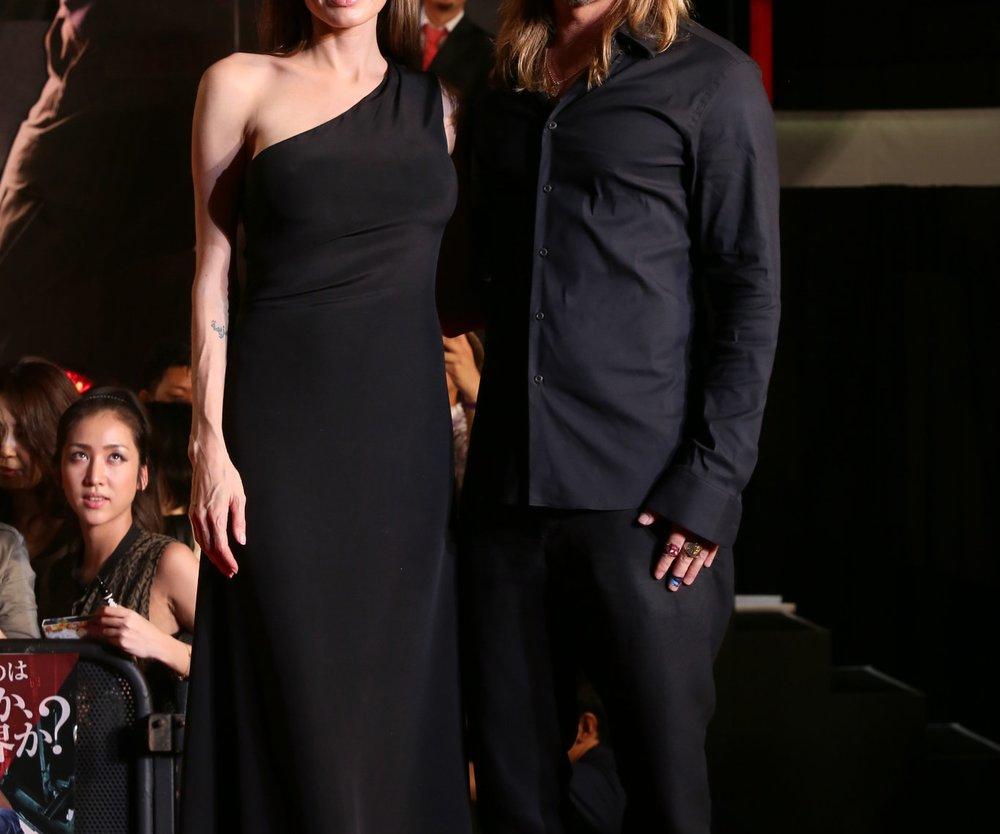 Brad Pitt bekommt eine Insel von Angelina Jolie