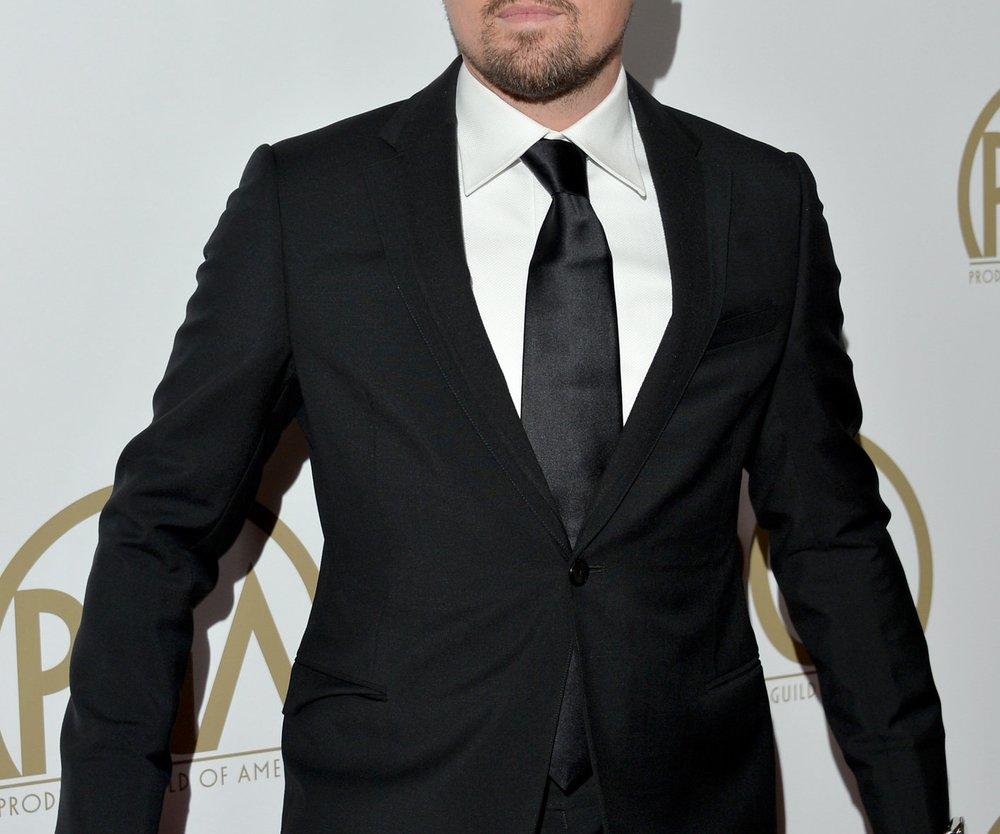 Leonardo DiCaprio genießt den Super Bowl in bester Gesellschaft