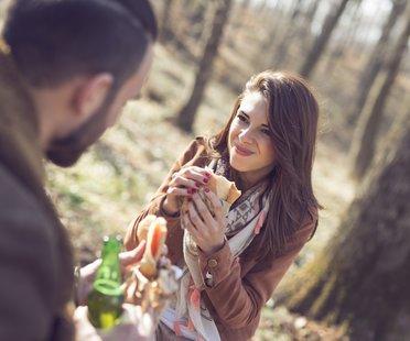 Flirtsignale mann berührung