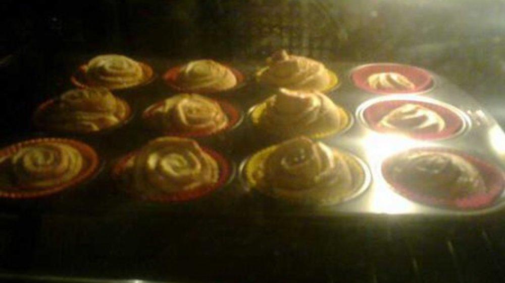 Vanillige Muffins mit XUXU-Füllung
